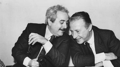 Borsellino e Falcone: la foto famosissima che non vale più nulla