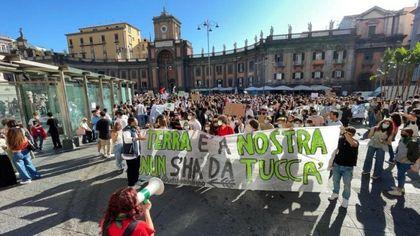 """Napoli, i ragazzi di Friday For Future: """"Le elezioni? Vogliamo una città sostenibile"""""""