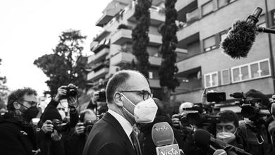 Enrico Letta si sveglia Paperinik