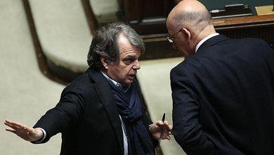 Forza Italia rompe (ma non troppo) con Renzi