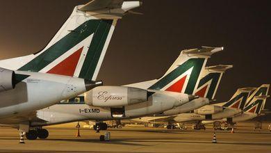 Alitalia, ecco chi ha ucciso la compagnia aerea (ma non ditelo ai passeggeri)