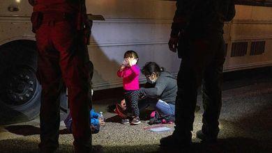 Nell'incubo del Rio Grande: bambini senza genitori nelle mani dei trafficanti