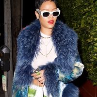 Rihanna conferma la moda del pixie cut, il taglio simbolo dell'individualità