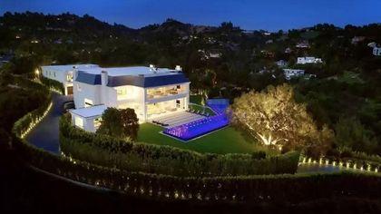 Jennifer Lopez e Ben Affleck fanno sul serio: ecco la villa da 85 milioni di dollari che hanno visitato insieme