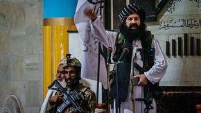 Terrore in Afghanistan, i taleban impiccano un uomo in piazza a Herat