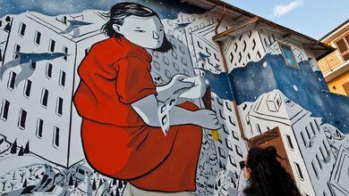 Miracolo ad Aielli: il borgo spettrale in Abruzzo riprende vita grazie alla street art