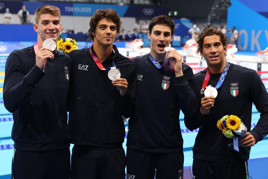 Tokyo 2020, Italy of swimming: historic silver in the 4x100 freestyle, bronze by Martinenghi in the 100 meters breaststroke