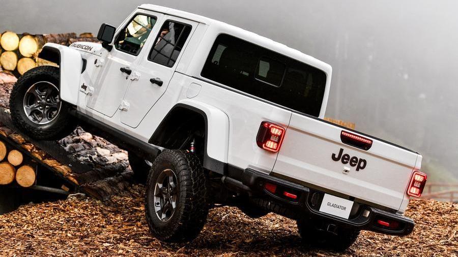 Jeep Gladiator Prima Passerella Italiana Per Il Pick Up Americano