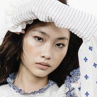 L'attrice di Squid Game HoYeon Jung è la nuova testimonial Louis Vuitton