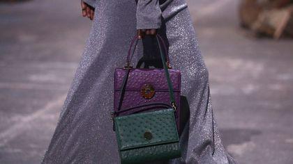 Parigi fashion week: le borse più belle viste in passerella. Da avere per l'inverno 2022