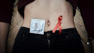 «Io, 16 anni, sono sieropositiva. Ma non sapevo neppure cosa fosse il virus dell'Hiv»