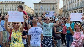 """I """"No Green Pass"""" bissano: in piazza Castello un'altra protesta"""