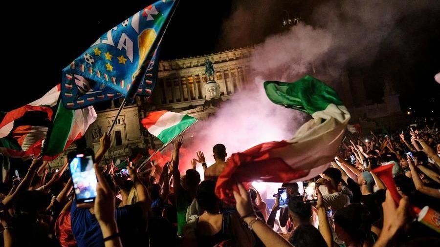 Boom di contagi Covid a Roma, nuovi casi quintuplicati dalla finale degli Europei