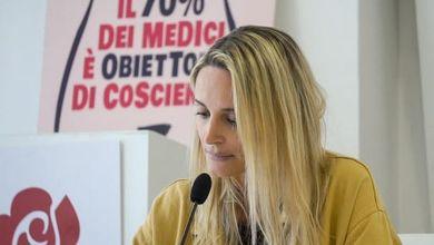 Roma, la vergogna del cimitero dei feti arriva in tribunale. «Basta silenzi sulla pelle delle donne»