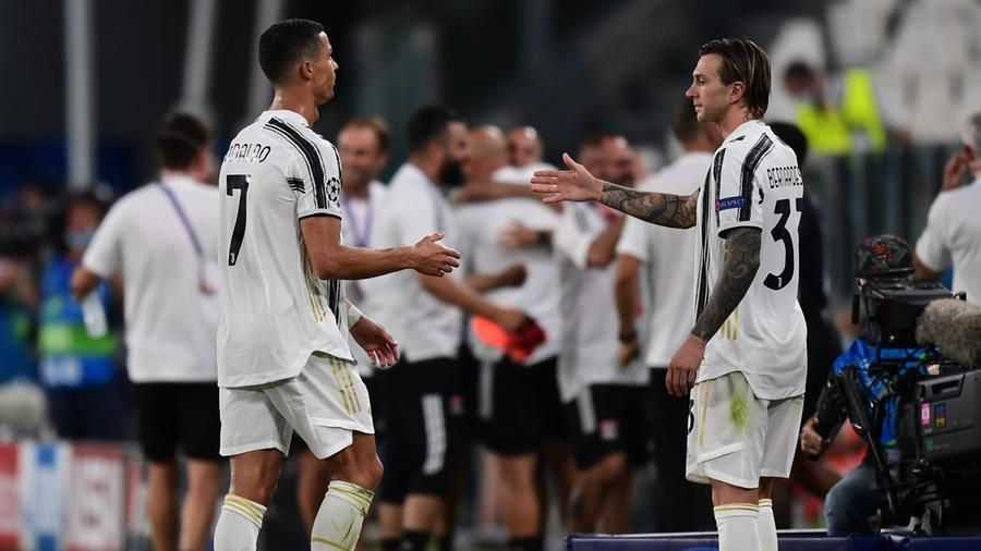 Champions La Doppietta Di Ronaldo Non Basta Alla Juve 2 1 Il Lione Alla Final Eight La Stampa Ultime Notizie Di Cronaca E News Dall Italia E Dal Mondo