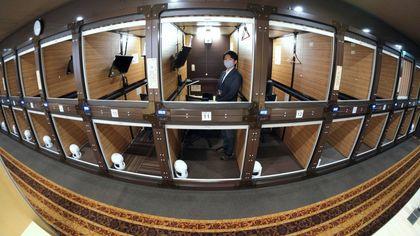 Tokyo, così lo storico capsule hotel si è trasformato in centro per coworking