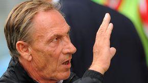 Foggia: calciatore positivo, ritiro blindato per la squadra guidata da Zeman, annullata l'amichevole con lo Charvensod