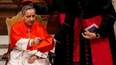 Vaticano, con i soldi per i poveri anche un appartamento per la nipote del cardinale Angelo Becciu