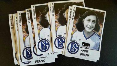 Anna Frank, vergogna antisemita anche in Germania: ultras le mettono maglietta della squadra rivale