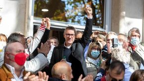 Altra giornata di mobilitazioni: a Roma i sindacati contro i fascismi, a Milano corteo dei No Green Pass