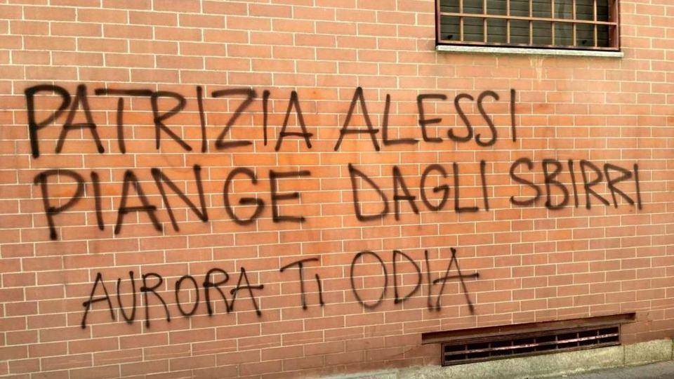 Minacce Anarchiche Sui Muri Di Aurora A Patrizia Alessi