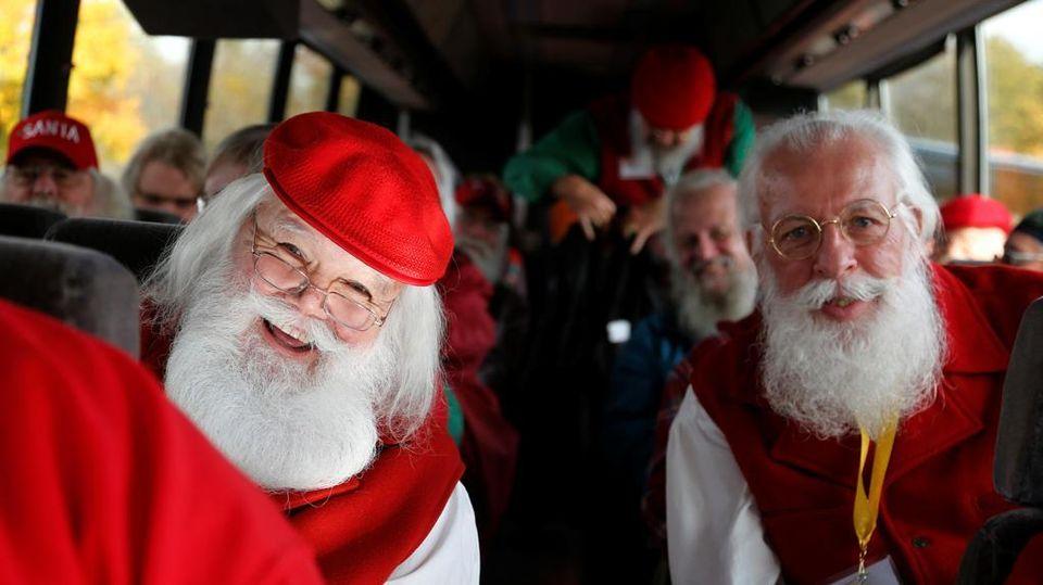 Babbi Natale.Cosi Si Diventa Babbi Natale Viaggio Nella Santa Claus School Del Michigan La Stampa