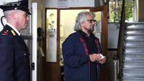 Europee, Grillo al voto nel seggio di Sant'Ilario