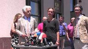 """Sea-Watch, Carola Rackete fuori dal tribunale di Agrigento: """"Europa trovi accordo per spartizione dei profughi"""""""