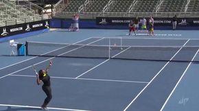 """Il 12% degli uomini crede di poter """"battere"""" Serena Williams: la lezione della tennista"""