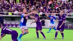 Rigore o simulazione, la caduta di Mertens contro la Fiorentina fa discutere