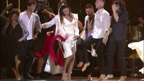 Notte della Taranta, Belen e De Martino danzano sul palco del Concertone