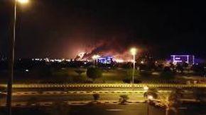 Arabia Saudita, dallo Yemen attacco con droni agli impianti di petrolio: le strutture in fiamme