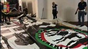 Arrestati capi ultrà Juventus: ricattavano la società. Gli striscioni trovati nelle perquisizioni