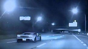 Beccato a 210 km/h in autostrada, la sua scusa è la più stupida possibile