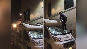 Caselle Torinese, vandalizzano il camper di Cardioteam e postano il video sui social