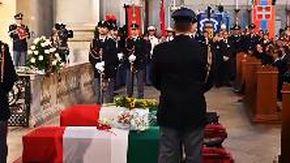 Trieste, folla di autorità e cittadini ai funerali dei due agenti uccisi in Questura