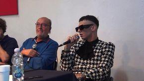 Polemica al Premio Tenco, Achille Lauro: «Anch'io come lui sono un cantautore incompreso»