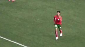 Da centrocampo dribbla mezza squadra, il gol della piccola calciatrice incanta