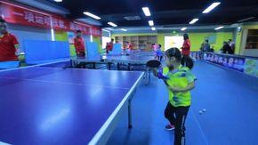 Li Yiyi, la baby prodigio del tennistavolo: a cinque anni colpisce già da campionessa