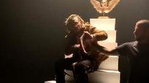 Incidente sul set per il rapper Lil Pump, gira videoclip con un serpente ma viene subito morso