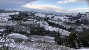 Paesaggi di fiaba nelle Langhe dopo la nevicata