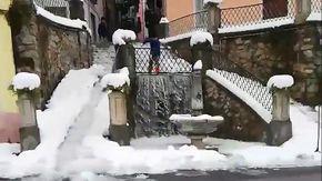 Ormea, l'antico metodo per togliere la neve dalle strade: ecco come funziona il 'biale'