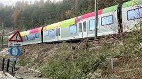 Maltempo, deraglia treno in Val Pusteria: il convoglio fermo sui binari