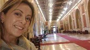Parlamento: Giorgia Meloni accusa i 5 Stelle di assenteismo, ma... sbaglia piano
