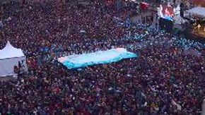Sardine a Bologna, le immagini dall'alto: la piazza è stracolma