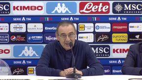 L'uscita infelice di Sarri su rigori e maglie a strisce scatena i tifosi della Juventus