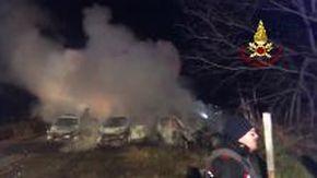 L'intervento dei Vigili del Fuoco sulla A1 per l'incendio causato dal tentativo di assalto a un portavalori