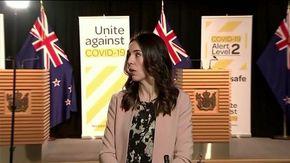 Sisma 5.8 in Nuova Zelanda, la premier Jacinda Ardern è in diretta tv: la sua reazione è impressionante