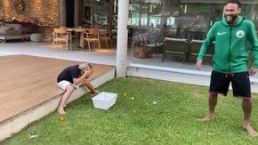 La crudeltà di Neymar, così si burla del figlio spaccandogli un uovo in testa