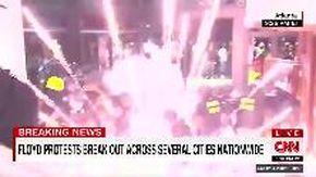 Morte George Floyd, proteste negli Usa. Ad Atlanta poliziotti colpiti da bomba carta lanciata da manifestanti